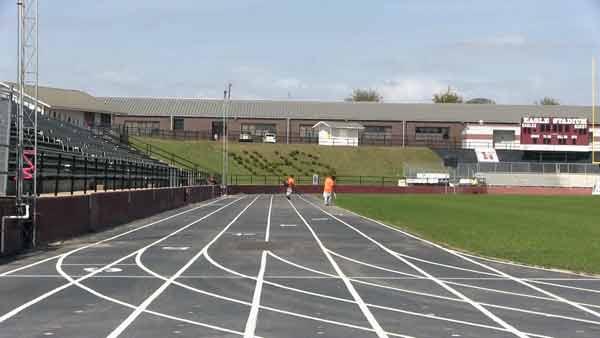 Niceville High Rubber Track Installation